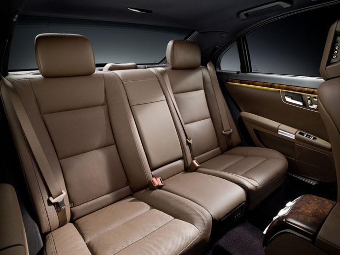 Аренда авто в Астане Мерседес 221 (Mercedes S-class W 221)