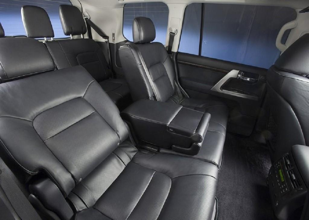 Аренда автомобиля в Астане Тойота Ленд Крузер 200 (Toyota Land Cruiser 200)